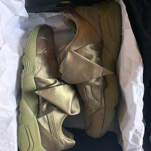 Olive FENTY satin bow sneakers Sz 9